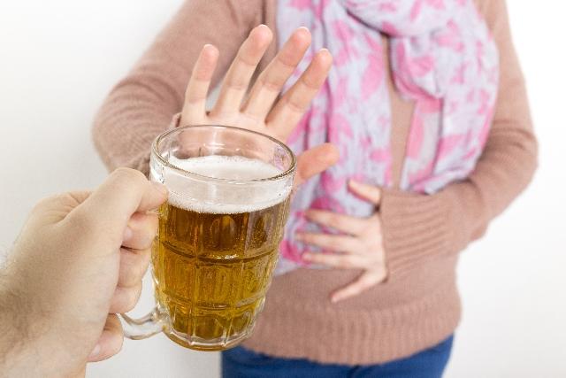 初期の飲酒が胎児に与える影響をしっかり知ろう