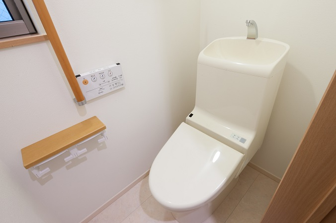 ヒヤッとする産後の尿漏れの原因と対処法