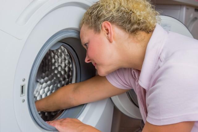 「過炭酸ナトリウム」が洗濯機のカビ掃除に効果てきめん!