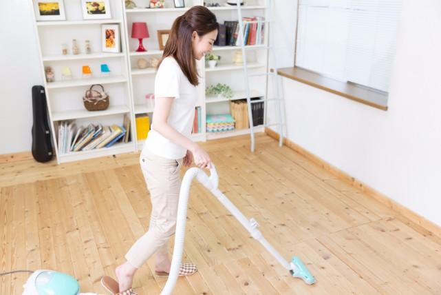 マンションでもデキル!水を使わず玄関の床掃除をする2つの方法