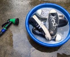 実はとても簡単!スニーカーを手洗い洗濯する6つの手順