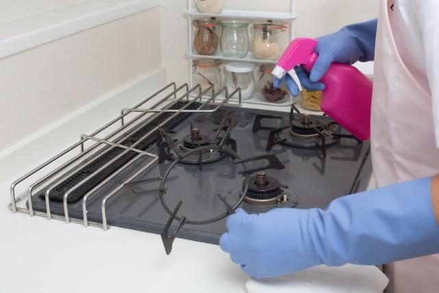 ピカピカキッチンで料理がしたい!ガスコンロのお掃除の流れ4STEP