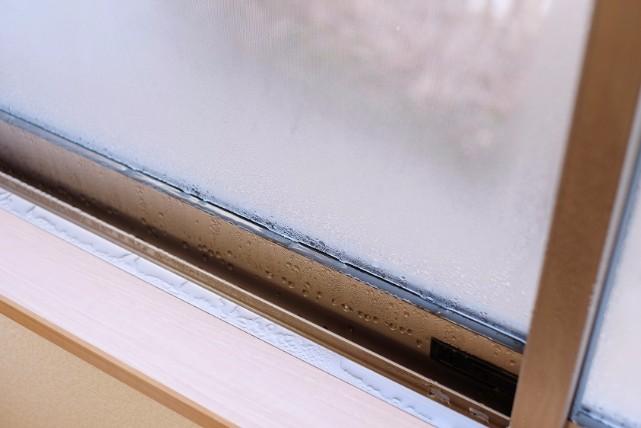 マンションで多発する「窓の結露」に効果的なおすすめの対策