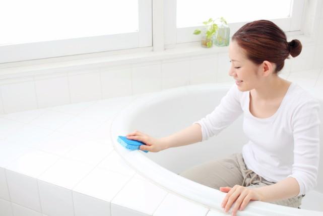 重曹とクエン酸(酢)を使ったお風呂の「湯垢」と「水垢」の落とし方