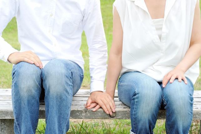夫の産後うつ「パタニティブルー」を乗り越える5つの方法