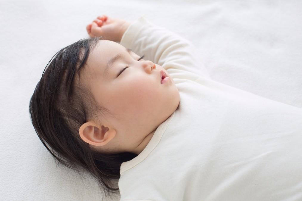 赤ちゃんが中耳炎になった時の症状と予防する方法