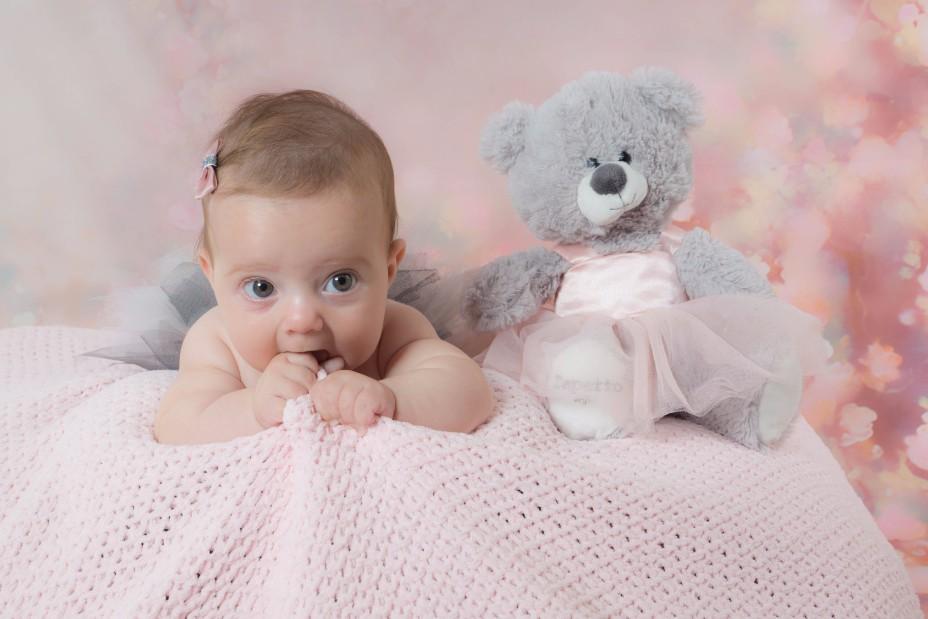 赤ちゃんが嘔吐しやすい状態はいつまで続く?