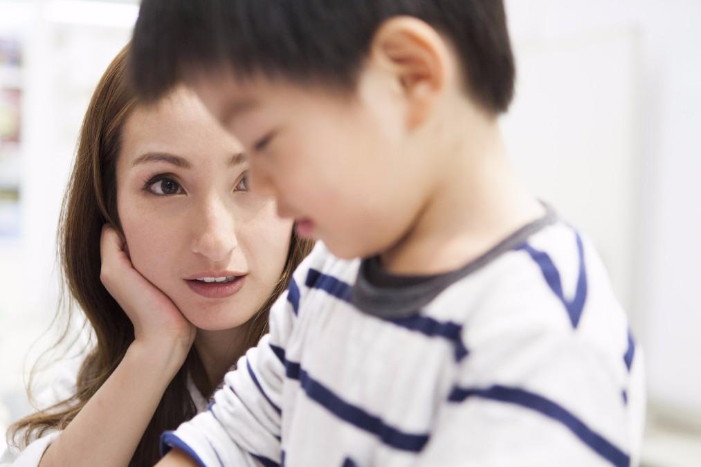 3歳児健診で発覚することが多い、子供の「弱視」と治し方