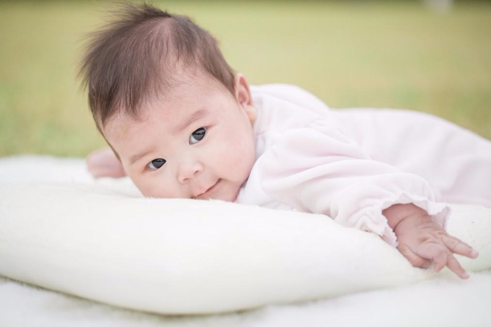 赤ちゃんが「うつぶせ寝」をするようになったら気をつけるポイント