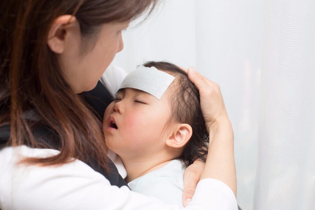 赤ちゃんが「39度」の発熱時に、慌てずデキるホームケアのやり方