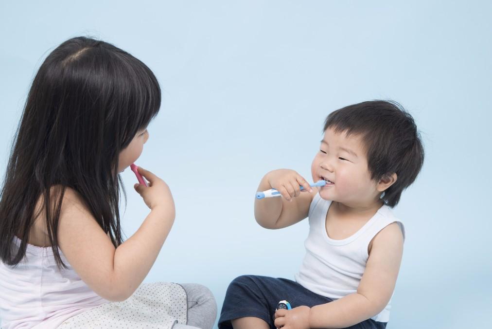 両親からの感染が大半!赤ちゃんの虫歯の原因と予防法4つ