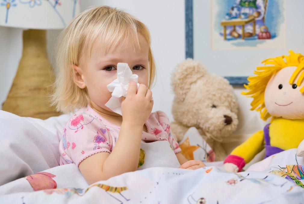 ズルズル出続ける赤ちゃんの鼻水を、自宅で取り除く7つの方法