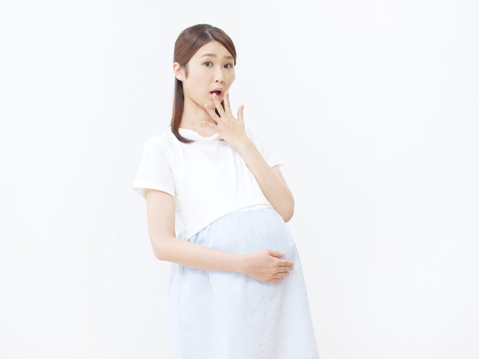 2人に1人が経験する妊娠中の腰痛の原因と、痛みを緩和する方法