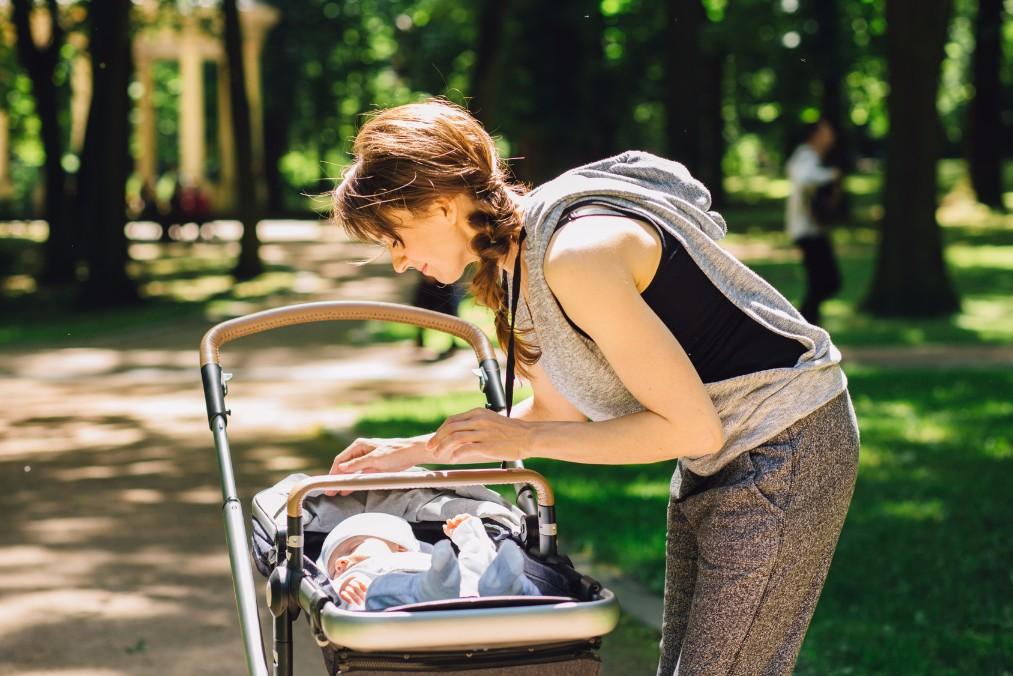 【授乳中はお腹が減る】母乳に影響しないおやつの選び方と食べ方