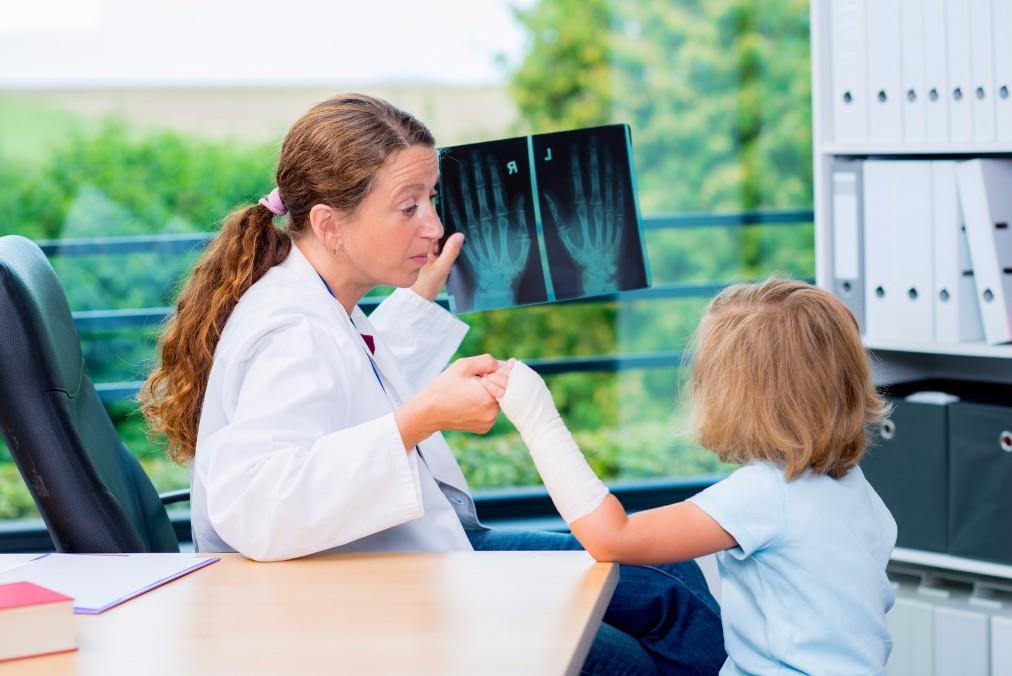 骨折率が20年前より増加!子供の骨を丈夫にするための食生活