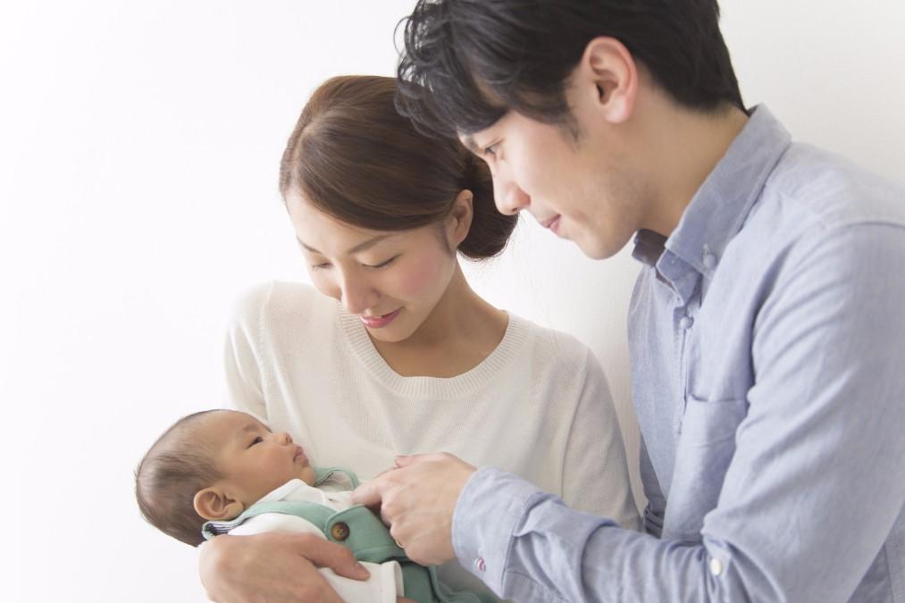 【読み聞かせのスゴイ効果】0歳の赤ちゃんにオススメな絵本5冊