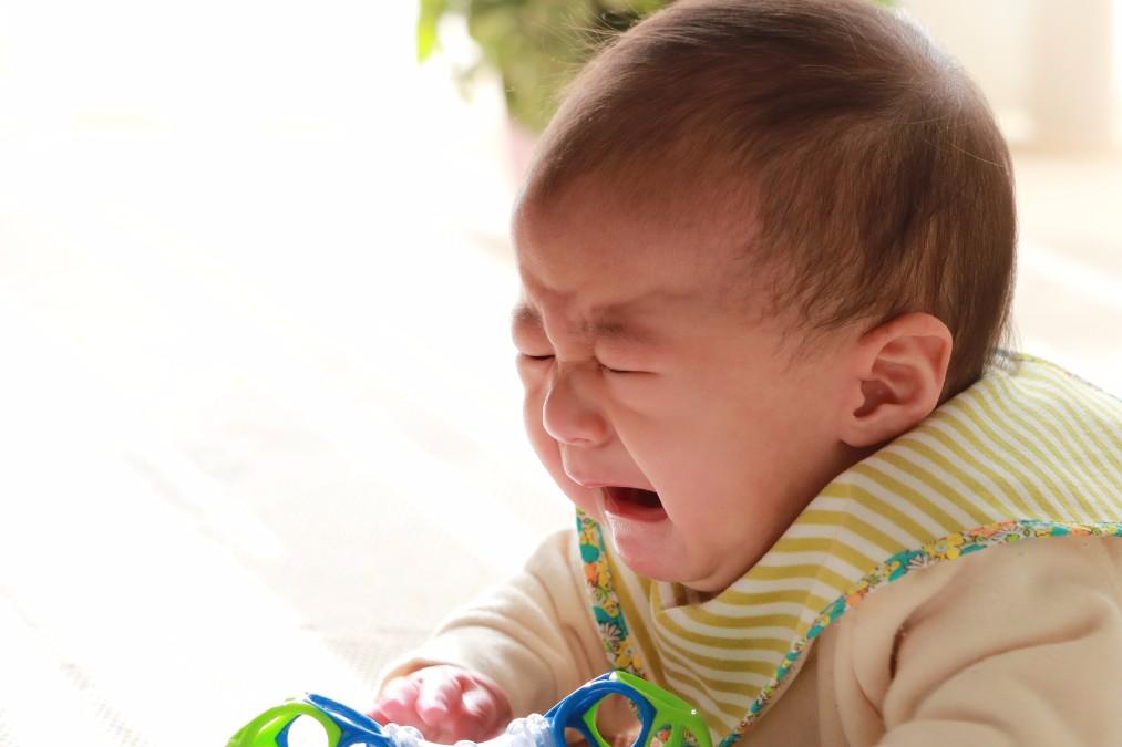 ママも泣きたくなる。赤ちゃんが泣き止まない7つの理由と対処法