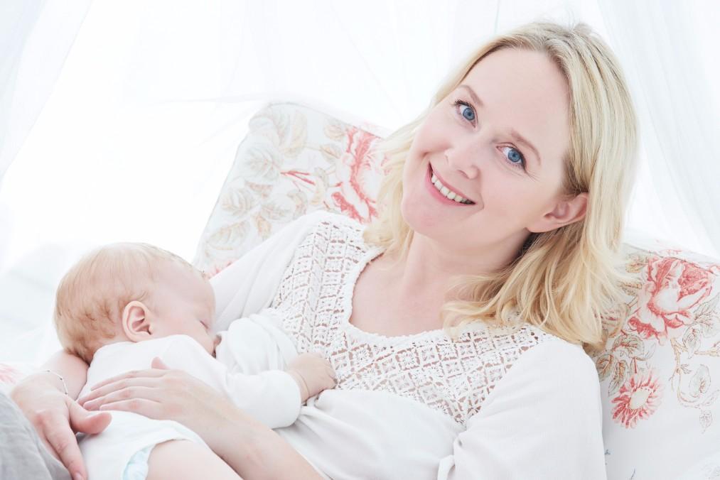 「母乳の量が足りない」と思ったら試したい10の方法