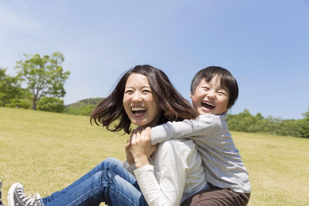 周囲に笑顔をふりまく、元気で明るい子供の育て方のポイント5つ