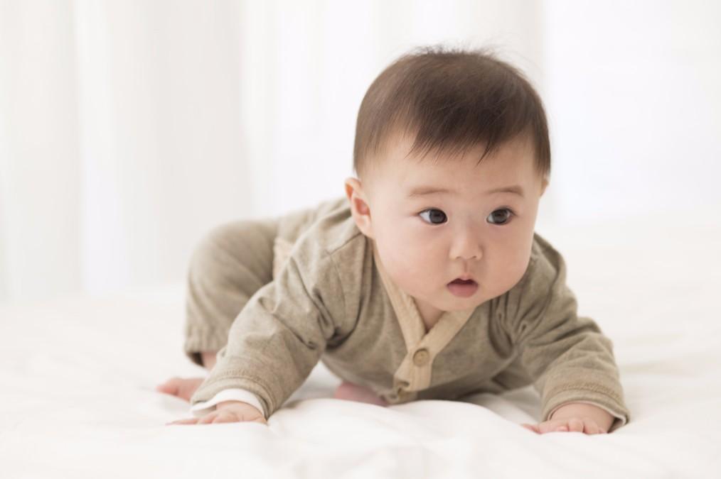 子供がハイハイをしない時に考えられる5つの原因と促し方