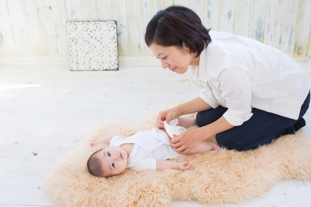 赤ちゃんの脱水症状で現れる5つのサインと適切な対処法