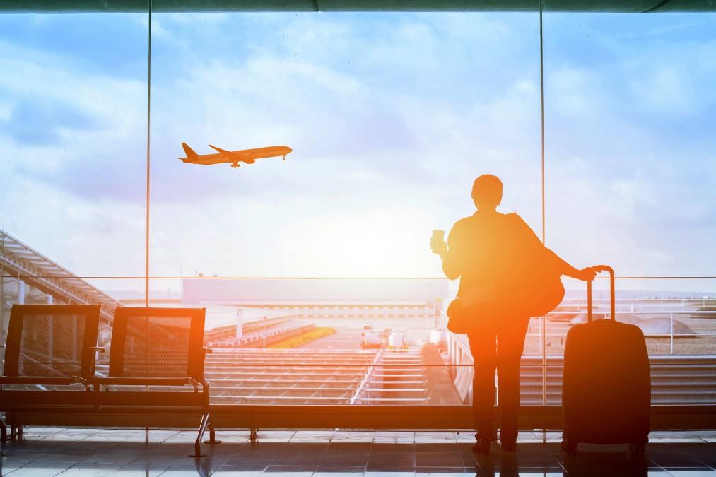 妊婦が飛行機に乗る時に持つべき必須アイテムと注意すべきこと