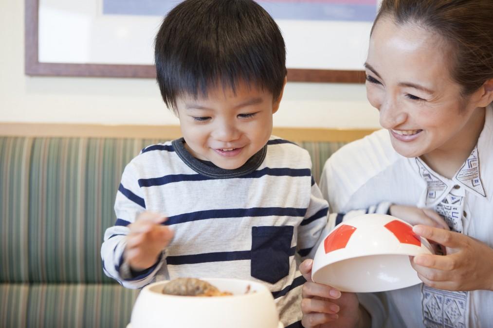 子供の「お箸の練習」をスタートする4つのタイミングと進め方