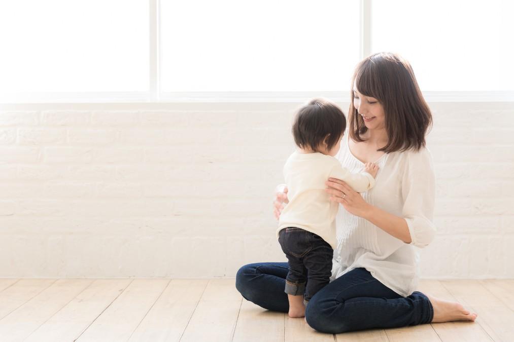 赤ちゃんがつかまり立ちをする時期とさせる上での注意点4つ