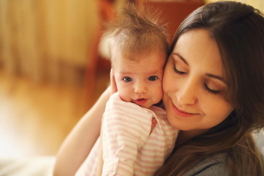【病気を疑う必要がある時も】赤ちゃんが吐く原因と原因別対処法