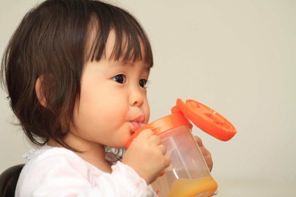 幼児はいつからジュースOK?飲ませる時の7つの注意点
