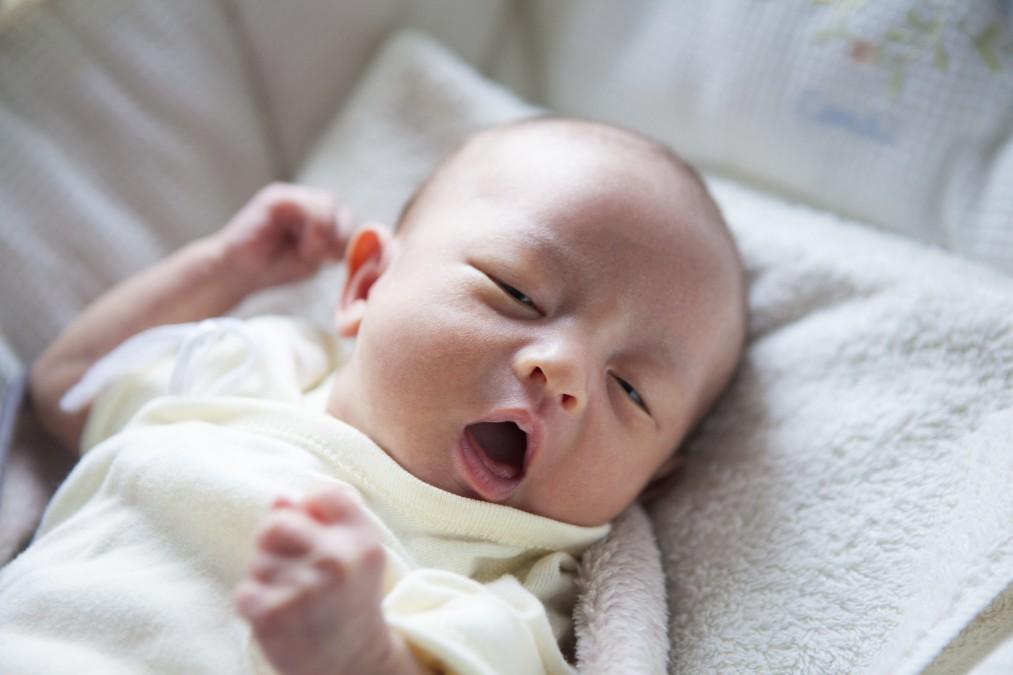 苦しそうに見える赤ちゃんのしゃっくりを止める5つの方法