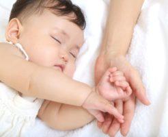 小さな子供がいびきをかく3つの理由