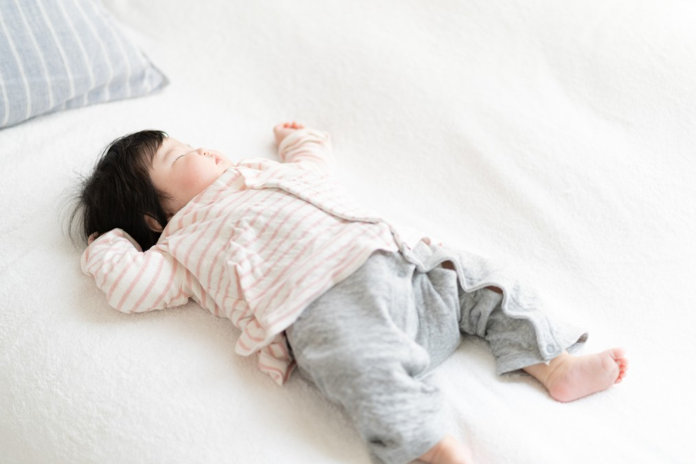 赤ちゃんの寝相が悪い理由と注意点