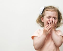 子供がうなされる「夜驚症」とは?